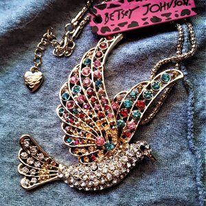 Betsey Johnson rhinestone peace dove necklace NWT